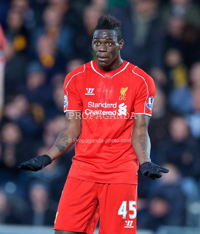 KINGSTON-UPON-HULL, ENGLAND - Tuesday, April 28, 2015: Liverpool's Mario Balotelli in action against Hull City during the Premier League match at the KC Stadium. (Pic by David Rawcliffe/Propaganda)