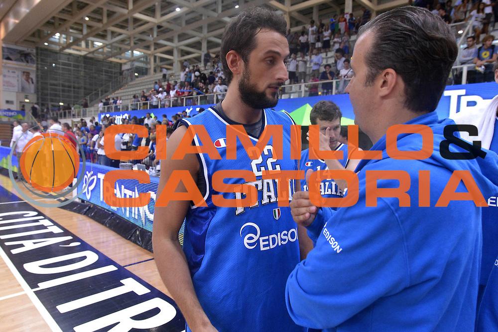 DESCRIZIONE : Trento Basket Cup 2013 Italia Polonia<br /> GIOCATORE : Belinelli Pianigiani<br /> CATEGORIA : Fair play<br /> SQUADRA : Nazionale Italia Uomini Maschile<br /> EVENTO : Trento Basket Cup 2013 Italia Polonia<br /> GARA : Italia Polonia<br /> DATA : 09/08/2013<br /> SPORT : Pallacanestro<br /> AUTORE : Agenzia Ciamillo-Castoria/GiulioCiamillo<br /> Galleria : FIP Nazionali 2013<br /> Fotonotizia : Trento Basket Cup 2013 Italia Polonia<br /> Predefinita :