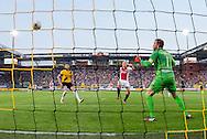 BREDA, NAC Breda - Ajax, voetbal Eredivisie seizoen 2014-2015, 27-09-2014, Rat Verlegh Stadion, Ajax speler Kolbeinn Sigthorsson (M) scoort de 0-2, NAC Breda keeper Jelle ten Rouwelaar (R), NAC Breda speler Aleksandar Damcevski (L).