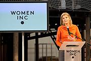 Prinses Máxima opent het WOMEN Inc Festival in de RAI, Amsterdam. WOMEN Inc. is een evenement dat vrouwen verbindt en hun ontplooiing bevordert en wordt gelijktijdig met de naastgelegen huishoudbeurs gehouden.<br /> <br /> Princess Maxima opens the WOMEN Inc Festival at the RAI, Amsterdam. WOMEN Inc.. is an event that connects women and promotes their developmentWoman Inc.. is Simultaneously held with the adjacent household fair.<br /> <br /> Op de foto / On the photo<br />  Prinses Maxima houdt de openingstoespraak tijdens de opening van het Women Inc Festival.  //// Princess Maxima keeps the opening speech at the opening of the Women Inc. Festival.