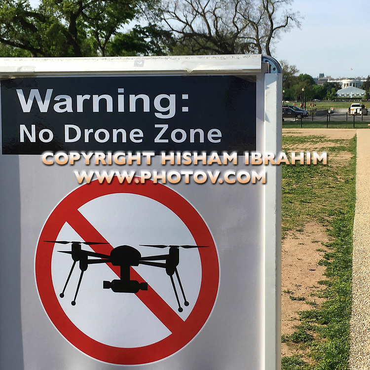 Warning sign to inform tourists visiting Washington DC, that the area around the White House is a 'No Drone flying Zone.'