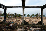 Devastation along the shore line of Kalmunai in S.E. Sri Lanka, one of the areas hardest hit by the Tsunami created by a 9.0 earthquake in the Indian Ocean on December 26th, 2004. Kalmunai, Ampara District, Sri Lanka. 12/01/2005. Photo © J.B. Russell