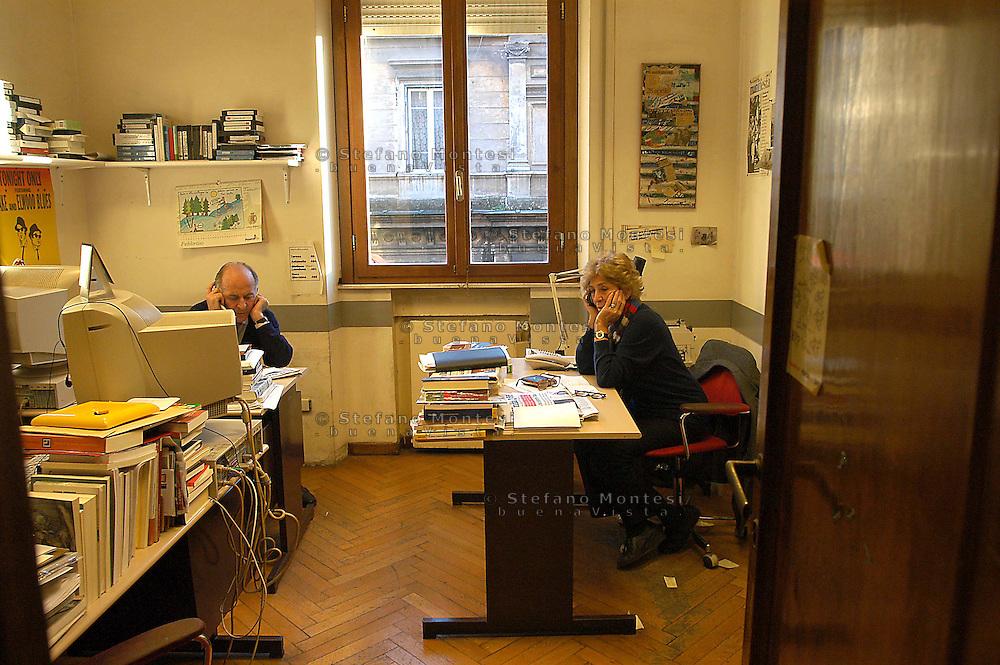 Roma  4 Febbraio 2005.Luciana Castellina e Valentino Parlato nella sede  del Quotidiano Il Manifesto,in via Tomacelli.