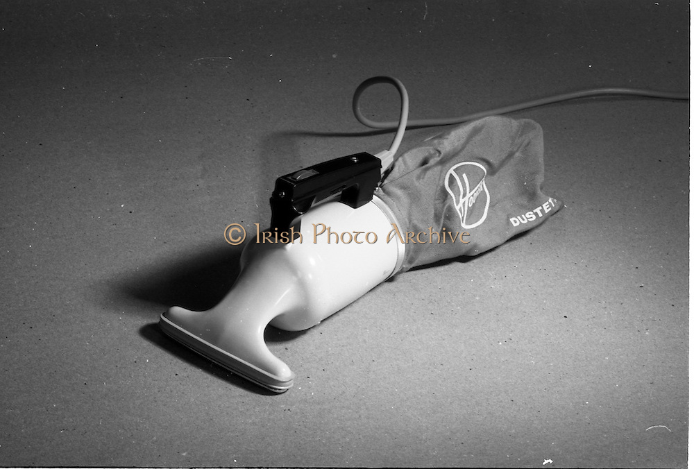 20-25/05/1966<br /> 05/20-25/1966<br /> 20-25 May 1966<br /> Competition prizes photographed at Lensmen Studio for Esso (Ireland) Ltd. Hoover Duster.
