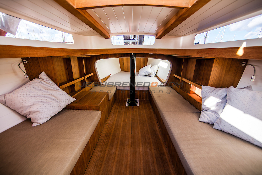 Wally Nano, Hoek designed 37 foot daysailer
