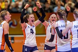 05-04-2017 NED:  CEV U18 Europees Kampioenschap vrouwen dag 4, Arnhem<br /> Nederland - Turkije 3-1 / Nederland doet zeer goede zaken en kan zich met winst op Itali&euml; zeker stellen van een halve finaleplaats - Dagmar Boom #4