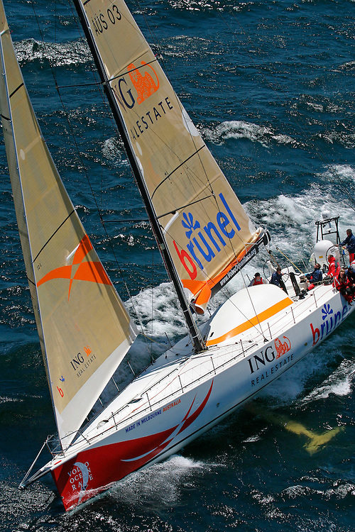 """Volvo Ocean Race 2005-2006. Stopover number 1 - Cape Town, South Africa. In Port Race 26/12/05.""""ING Real Estate Brunel"""", skippered by Barnie Walker competes in the VOR In Port Race, Cape Town"""