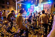 Roma 16  Settembre 2011.Quartiere San Lorenzo.Concerto a pedali dei Tetes de Bois con il progetto «Riciclisti», un palco totalmente eco-sostenibile, senza neanche un Watt di energia elettrica.Ad alimentare gli strumenti, gli amplificatori, le luci e i video sono le gambe e il sudore di 128 ciclisti in piazza. Inizia il concerto i ciclisti pedalano.Rome September 16, 2011  .San Lorenzo district  .Concert pedal, the Tetes de Bois, with the project 'recycling', a stage totally ecologically sustainable, not even one watt of electricity. For feed  the instruments, amplifiers, lights and video are the legs and the sweat of 128 cyclists in the square.