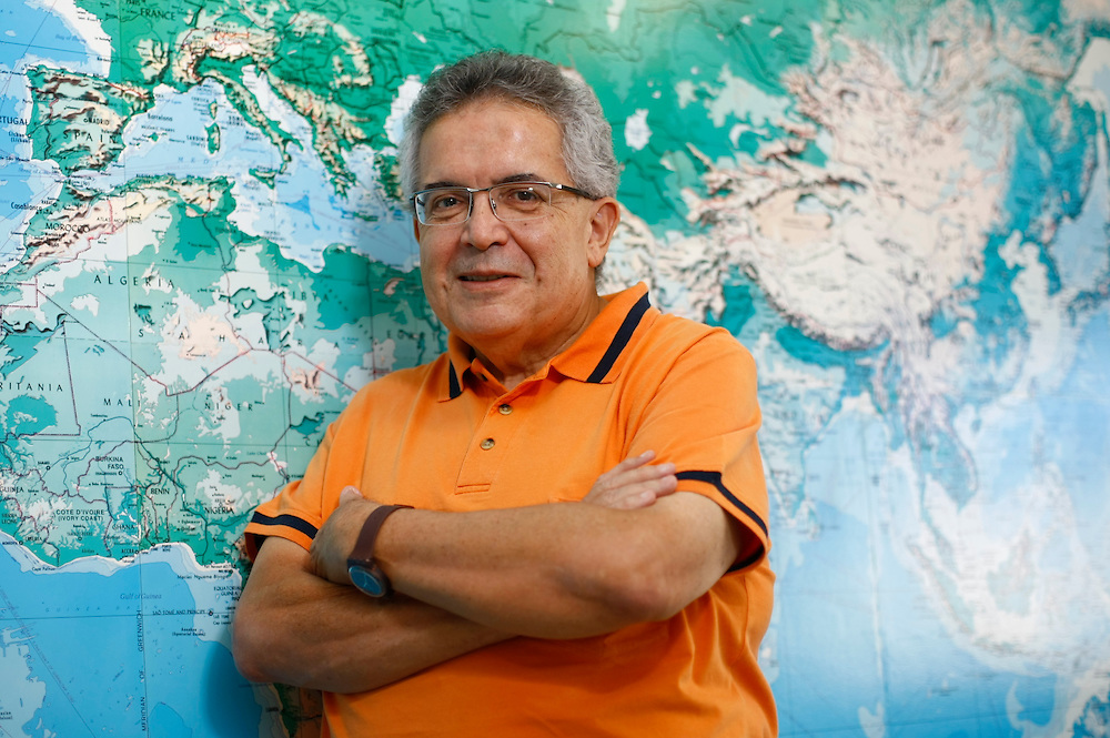 Belo Horizonte_MG, Brasil.<br /> <br /> Francisco Eduardo de Campos, medico com doutorado em Saude Publica pela Ensp/Fiocruz, professor-adjunto do Departamento de Medicina Preventiva e Social da UFMG, ex-assessor da Opas/OMS em Washington (EUA).<br /> <br /> Francisco Eduardo Campos, a doctor with a doctorate in Public Health by the National School / Fiocruz, associate teacher of the Department of Social and Preventive Medicine at UFMG, former advisor to the Opas/OMS  in Washington (USA).<br /> <br /> FotoHugo Cordeiro  / NITRO