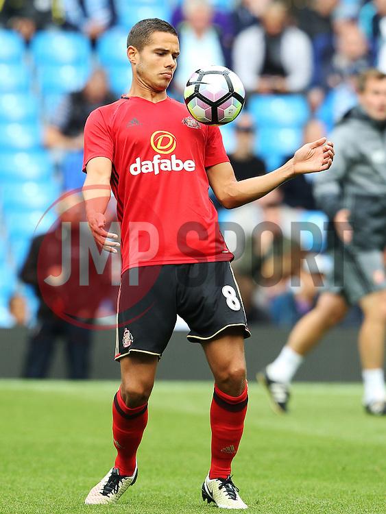 Jack Rodwell of Sunderland warms up - Mandatory by-line: Matt McNulty/JMP - 13/08/2016 - FOOTBALL - Etihad Stadium - Manchester, England - Manchester City v Sunderland - Premier League