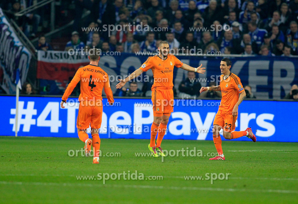 26.02.2014, Veltins Arena, Gelsenkirchen, GER, UEFA CL, Schalke 04 vs Real Madrid, Achtelfinale, im Bild Sergio Ramos (Real Madrid CF #4), Angel di Maria (Real Madrid CF #22) feiern den Torschuetzen Karim Benzema (Real Madrid CF #9) beim Torjubel nach dem Treffer zum 1:0, Emotion, Freude, Glueck, Positiv // during UEFA Champions League last sixteen match between Schalke 04 and Real Madrid CF at the Veltins Arena in Gelsenkirchen, Germany on 2014/02/26. EXPA Pictures &copy; 2014, PhotoCredit: EXPA/ Eibner-Pressefoto/ Schueler<br /> <br /> *****ATTENTION - OUT of GER*****