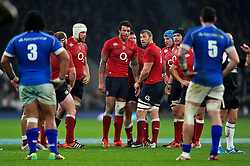 Chris Robshaw and the rest of the England pack look on prior to a lineout - Photo mandatory by-line: Patrick Khachfe/JMP - Mobile: 07966 386802 22/11/2014 - SPORT - RUGBY UNION - London - Twickenham Stadium - England v Samoa - QBE Internationals