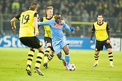 26.11.2013, Signal Iduna Park, Dortmund, GER, UEFA CL, Borussia Dortmund vs SSC Neapel, Gruppe F, im Bild Pablo Armero (SSC Napoli), Marco Reus (Borussia Dortmund) // Pablo Armero (SSC Napoli), Marco Reus (Borussia Dortmund) during UEFA Champions League group F match between Borussia Dortmund and SSC Napoli at the Signal Iduna Park in Dortmund, Germany on 2013/11/26. EXPA Pictures © 2013, PhotoCredit: EXPA/ Newspix/ Lukasz Skwiot / Foto Olimpik<br /> <br /> *****ATTENTION - for AUT, SLO, CRO, SRB, BIH, MAZ, TUR, SUI, SWE only*****
