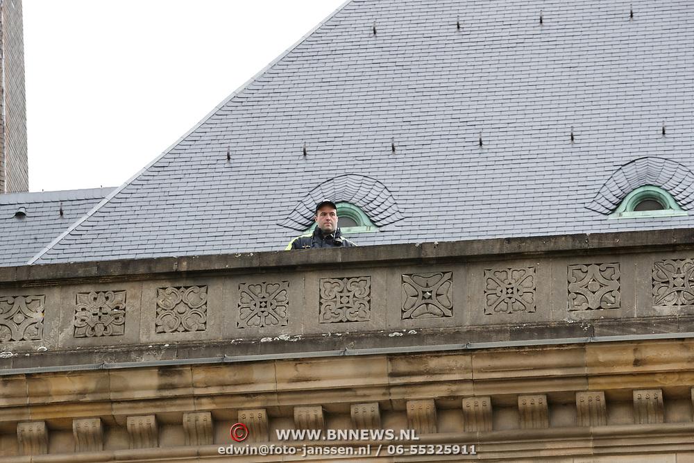 LUX/Luxemburg/20190504 -  Funeral<br /> of HRH Grand Duke Jean, Uitvaart Groothertog Jean, beveiliging op het dak