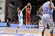 DESCRIZIONE : Campionato 2015/16 Serie A Beko Dinamo Banco di Sardegna Sassari - Umana Reyer Venezia<br /> GIOCATORE : Jarrius Jackson<br /> CATEGORIA : Tiro Tre Punti Three Point<br /> SQUADRA : Umana Reyer Venezia<br /> EVENTO : LegaBasket Serie A Beko 2015/2016<br /> GARA : Dinamo Banco di Sardegna Sassari - Umana Reyer Venezia<br /> DATA : 01/11/2015<br /> SPORT : Pallacanestro <br /> AUTORE : Agenzia Ciamillo-Castoria/C.Atzori