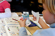HOLLAND - ZOETERMEER - Schoolchildren learning to count, arithmetic, and how to use money. PHOTO: GERRIT DE HEUS