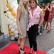 NLD/Amsterdam/20120706 - Verjaardagsfeest Gordon, Christine Kroonenberg