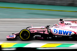 November 11, 2017 - Sao Paulo, Brazil - Teams prepare for qualifying at the Jose Carlos Pace Race Track in Interlagos, south of Sao Paulo, on Saturday morning (11). The teams are preparing for the qualifying session that takes place this afternoon, valid for the dispute of the Brazilian Grand Prix of Formula 1, which happens on Sunday, 12. (Credit Image: © Dario Oliveira via ZUMA Wire)