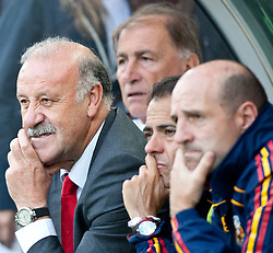 29.05.2010, Tivoli, Innsbruck, AUT, FIFA Worldcup Vorbereitung, Testspiel Spanien (ESP) vs Saudi Arabien (KSA), im Bild Vicente del Bosque (ESP) Headcoach und Betreuer. EXPA Pictures © 2010, PhotoCredit: EXPA/ J. Groder / SPORTIDA PHOTO AGENCY