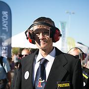 En repræsentant for SAND - De Hjemløses Landsorganisation på havnen i Allinge. Folkemøde 2015 i Allinge på Bornholm.