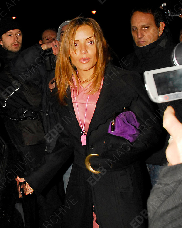 18.11.2007. LONDON<br /> <br /> CELEBRITIES OUT AND ABOUT IN CENTRAL LONDON<br /> <br /> BYLINE: EDBIMAGEARCHIVE.CO.UK<br /> <br /> *THIS IMAGE IS STRICTLY FOR UK NEWSPAPERS AND MAGAZINES ONLY*<br /> *FOR WORLD WIDE SALES AND WEB USE PLEASE CONTACT EDBIMAGEARCHIVE.CO.UK - 0208 954 5968*