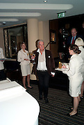 NICKY HASLAM, Graydon Carter hosts a dinner to celebrate the reopening og the American Bar at the Savoy.  Savoy Hotel, Strand. London. 28 October 2010. -DO NOT ARCHIVE-© Copyright Photograph by Dafydd Jones. 248 Clapham Rd. London SW9 0PZ. Tel 0207 820 0771. www.dafjones.com.
