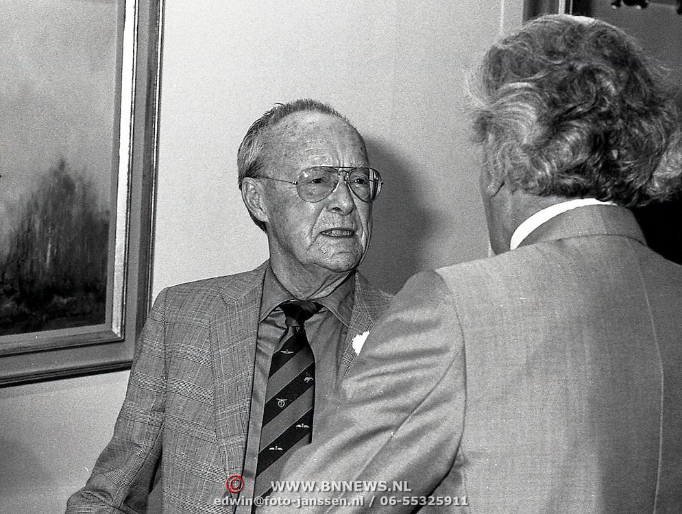 NLD/Soesterberg/19930702 - Pr.Bernhard opent expositie van David Shepherd Luchtvaartmuseum