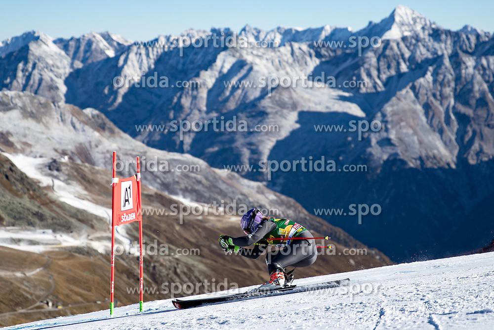 22.10.2016, Rettenbachferner, Soelden, AUT, FIS Weltcup Ski Alpin, Soelden, Riesenslalom, Damen, 1. Durchgang, im Bild Tessa Worley (FRA) // Tessa Worley of France in action during 1st run of ladies Giant Slalom of the FIS Ski Alpine Worldcup opening at the Rettenbachferner in Soelden, Austria on 2016/10/22. EXPA Pictures © 2016, PhotoCredit: EXPA/ Johann Groder