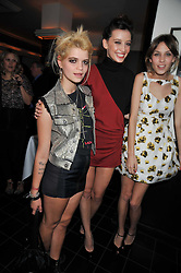 Left to right, PIXIE GELDOF, DAISY LOWE and ALEXA CHUNG at a dinner hosted by Alexandra Shulman editor of British Vogue in association with Net-A-Porter.com to celebrate 25 years of London Fashion Week and Nick Knight held at Le Caprice, Arlington Street, London on 21st September 2009.