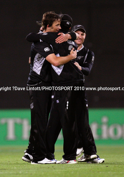 NZ's Shane Bond, Ross Taylor and Brendon McCullum celebrate victory.<br /> Fifth Chappell-Hadlee Trophy one-day international cricket match - New Zealand v Australia at Westpac Stadium, Wellington. Saturday, 13 March 2010. Photo: Dave Lintott/PHOTOSPORT
