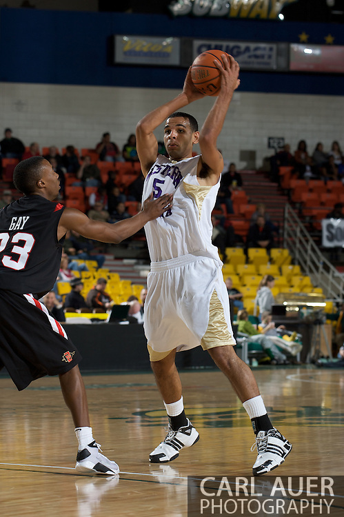November 27, 2008: Western Carolina's Greg Avery (5) looks for a pass against San Diego State's D.J. Gay in the final game in the opening round of the 2008 Great Alaska Shootout at the Sullivan Arena