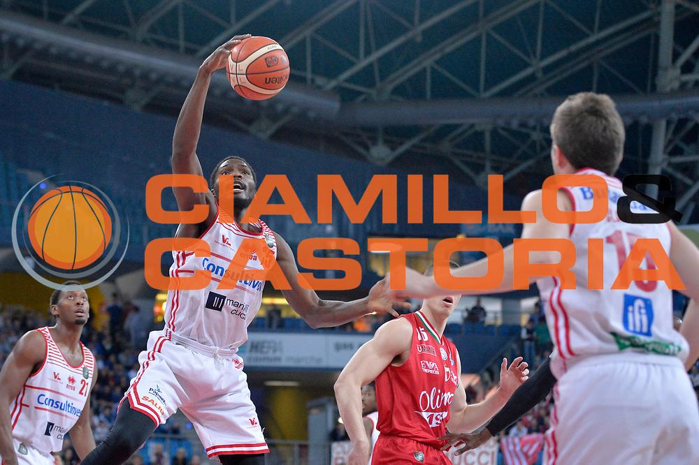 Landry Nnoko<br /> Consultinvest Victoria Libertas Pesaro - EA7 Emporio Armani Olimpia MIlano<br /> Lega Basket Serie A 2016/2017<br /> Pesaro, 30/04/2017<br /> Foto M.Ceretti / Ciamillo - Castoria