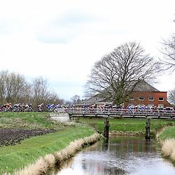 08-04-2016: Wielrennen: Energiewachttour vrouwen: Stadskanaal <br />The third stage of the Energiewachttour for women Musselkanaal-Stadskanaal<br />Impression peloton