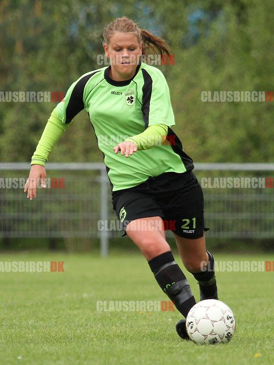 FODBOLD: Josephine Dige (Taastrup FC) under kampen i 3F Ligaen mellem Taastrup FC og OB den 12. maj 2012 i Taastrup Idrætspark. Foto: Claus Birch