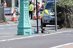 © Licensed to London News Pictures. 01/08/2015. Brighton, UK. Police cordon off a large area of Brighton Seafront due to a suspected package. Ministry of Defence Bomb Disposal Unit arrive to dispose of the suspected package by controlled explosion. Today August 1st 2015. Photo credit : Hugo Michiels/LNP