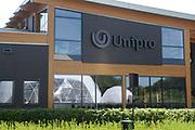"""Koningin Maxima opent """"groene"""" fabriek van Unipro in Haaksbergen. Unipro is producent en leverancier van vloersystemen.Met de bouw van de nieuwe fabriek zijn duurzaamheid en moderne productiemethoden gecombineerd.<br /> <br /> Queen Maxima opens """"green"""" factory Unipro Haaksbergen. Unipro is a producer and supplier of vloersystemen.Met the construction of the new plant, sustainability and modern production methods combined.<br /> <br /> Op de foto / On the photo: Unipro"""