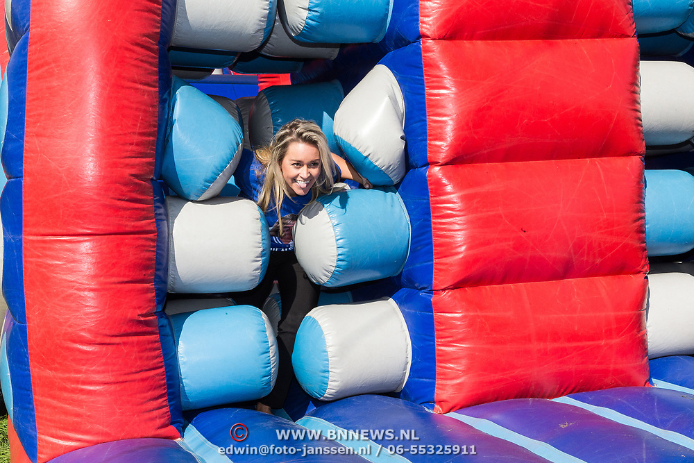 NLD/Amsterdam/20180925 - BN'ers over stormbaan voor metabole ziekte, Ingrid Janssen op de stormbaan