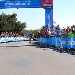 08-05-2016: Wielrennen: Giro: Arnhem<br />ARNHEM (NED) wielrennen<br />De tweede etappe van de voerde het peloton door de over Betuwe en de Liemers. Sfeer op Posbank met bergsprint Maarten Tjallingi