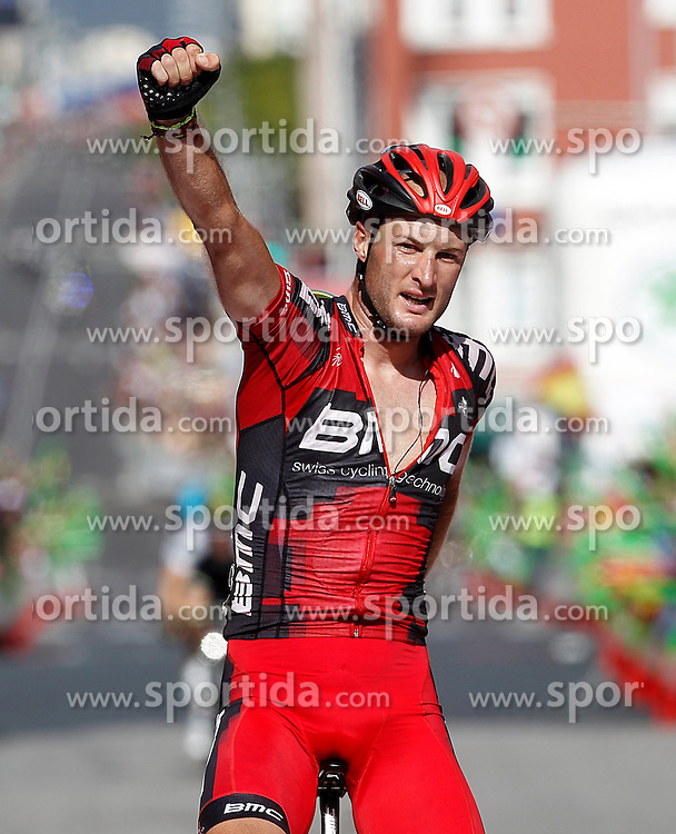 31.08.2012, 13. Etappe, Santiago de Compostela nach Ferrol, ESP, La Vuelta, im Bild Stephen Cummings celebrates the victory // during the La Vuelta, Stage 13 from Santiago de Compostela to Ferrol, Spain on 2012/08/31. EXPA Pictures © 2012, PhotoCredit: EXPA/ Alterphotos/ Acero..***** ATTENTION - OUT OF ESP and SUI *****