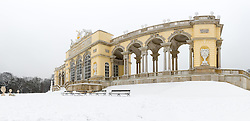 THEMENBILD - Schönbrunn liegt im 13. Wiener Gemeindebezirk Hietzing. Das Schloss Schönbrunn ist das größte Schloss und eines der bedeutendsten und meistbesuchten Kulturgüter Österreichs. Wie auch der Schlosspark gehört es zum UNESCO-Weltkulturerbe., im Bild ein Panoramafoto von der Gloriette. Aufgenommen am 03. Februar 2017 // Schönbrunn is in the 13th municipal District of Vienna Hietzing. The Schönbrunn palace is the largest castle and one of the most important and most popular cultural properties of Austria. The palace as well as the castle grounds are part of the UNESCO World Cultural Heritage, This picture shows a panorama photo of the Gloriette, Vienna, Austria on 2017/02/03. EXPA Pictures © 2017, PhotoCredit: EXPA/ Sebastian Pucher