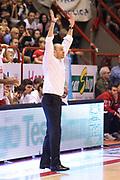 DESCRIZIONE : Campionato 2015/16 Giorgio Tesi Group Pistoia - Sidigas Avellino<br /> GIOCATORE : Esposito Vincenzo<br /> CATEGORIA : Allenatore Coach Mani<br /> SQUADRA : Giorgio Tesi Group Pistoia<br /> EVENTO : LegaBasket Serie A Beko 2015/2016<br /> GARA : Giorgio Tesi Group Pistoia - Sidigas Avellino<br /> DATA : 25/10/2015<br /> SPORT : Pallacanestro <br /> AUTORE : Agenzia Ciamillo-Castoria/S.D'Errico<br /> Galleria : LegaBasket Serie A Beko 2015/2016<br /> Fotonotizia : Campionato 2015/16 Giorgio Tesi Group Pistoia - Sidigas Avellino<br /> Predefinita :