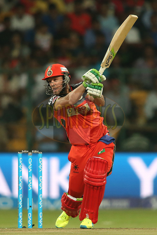 AB de Villiers of Royal Challengers Bangalore square drives a delivery to the boundary during match 11 of the Vivo IPL (Indian Premier League) 2016 between the Royal Challengers Bangalore and the Delhi Daredevils held at The M. Chinnaswamy Stadium in Bangalore, India,  on the 17th April 2016<br /> <br /> Photo by Shaun Roy / IPL/ SPORTZPICS