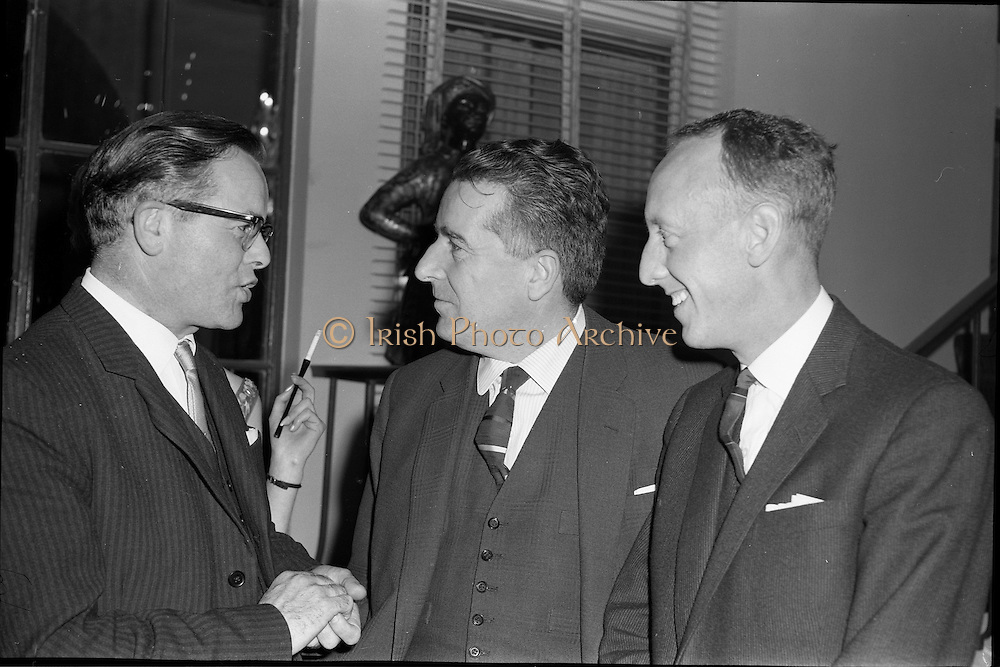 18/04/1962<br /> 04/18/1962<br /> 18 April 1962 <br /> Betty Whelan and Associates Reception at the Gresham Hotel, Dublin. At the event were (l-r): Mr Denis Garvey; Mr Niall Sheridan (Telifis Eireann) and Mr Kenith Rowe.