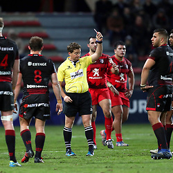 Referee Doyle shows a red card to Timilai Rokoduru of Lyon during the European Challenge Cup match between Toulouse and Lyon on December 7, 2017 in Toulouse, France. (Photo by Manuel Blondeau/Icon Sport)