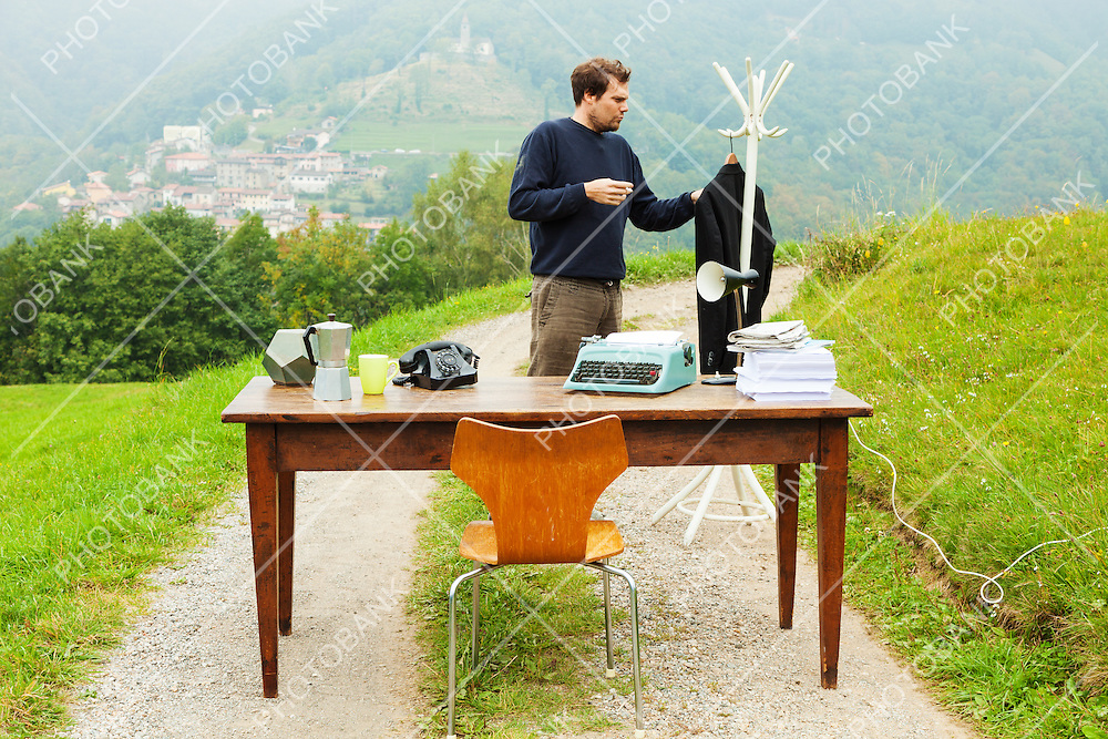 unusual workplace, office outdoors