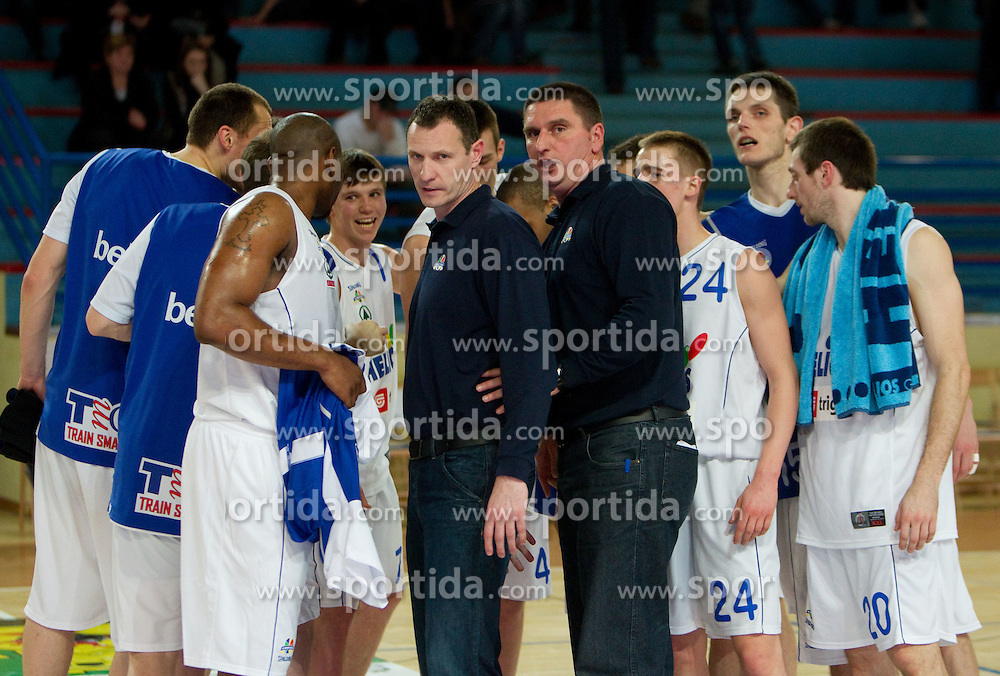 Head coach of Heliso Rado Trifunovic with his assistant Predrag Radovic and their players during basketball match between KK Helios Domzale and KK Sentjur in 1st Quarterfinal of Spar Slovenian Cup, on February 10, 2011 in Sportna dvorana Poden, Skofja Loka, Slovenia. Helios defeated Sentjur 83-62. (Photo By Vid Ponikvar / Sportida.com)