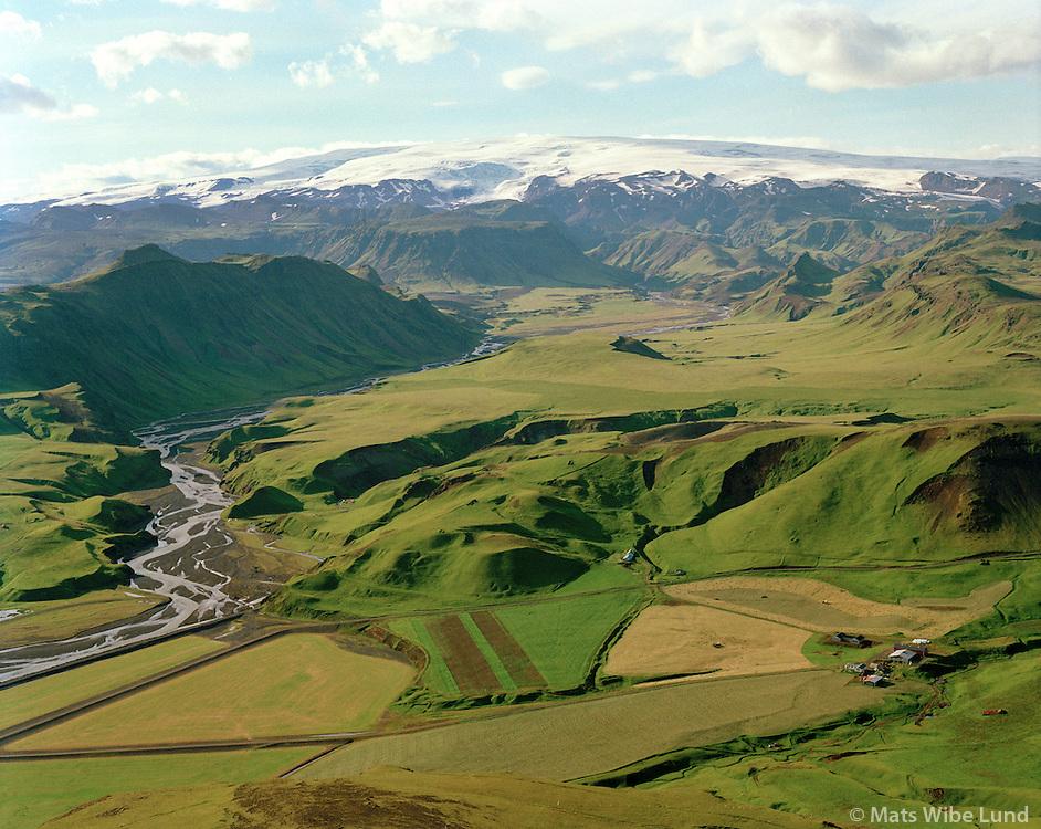 Kerlingadalur séð til norðvesturs, Mýrdalsjökull, Mýrdalshreppur áður Hvammshreppur. / Kerlingadalur viewing northwest, Myrdalsjokull glacier, Myrdalshreppur former Hvammshreppur.