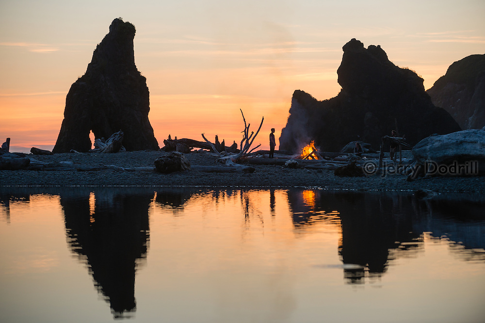 Campfire at Driftwood lagoon, Ruby Beach in Olympic National Park, Washington
