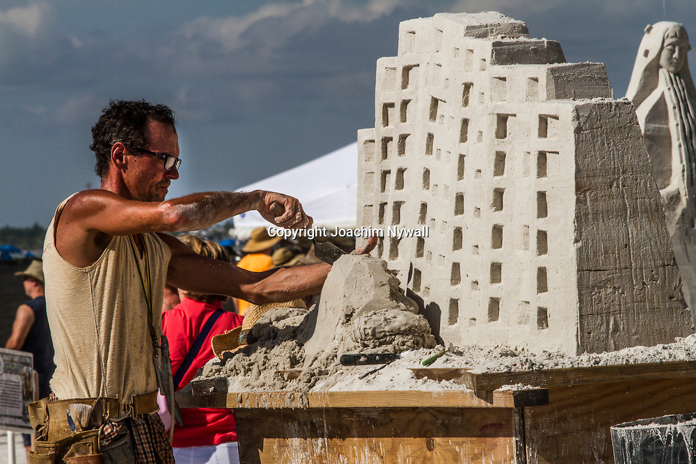 20151120 Fort Myers Beach <br /> Florida USA<br /> Amerikanska m&auml;sterskapen i Sandskulpturer<br /> <br /> <br /> FOTO : JOACHIM NYWALL KOD 0708840825_1<br /> COPYRIGHT JOACHIM NYWALL<br /> <br /> ***BETALBILD***<br /> Redovisas till <br /> NYWALL MEDIA AB<br /> Strandgatan 30<br /> 461 31 Trollh&auml;ttan<br /> Prislista enl BLF , om inget annat avtalas.