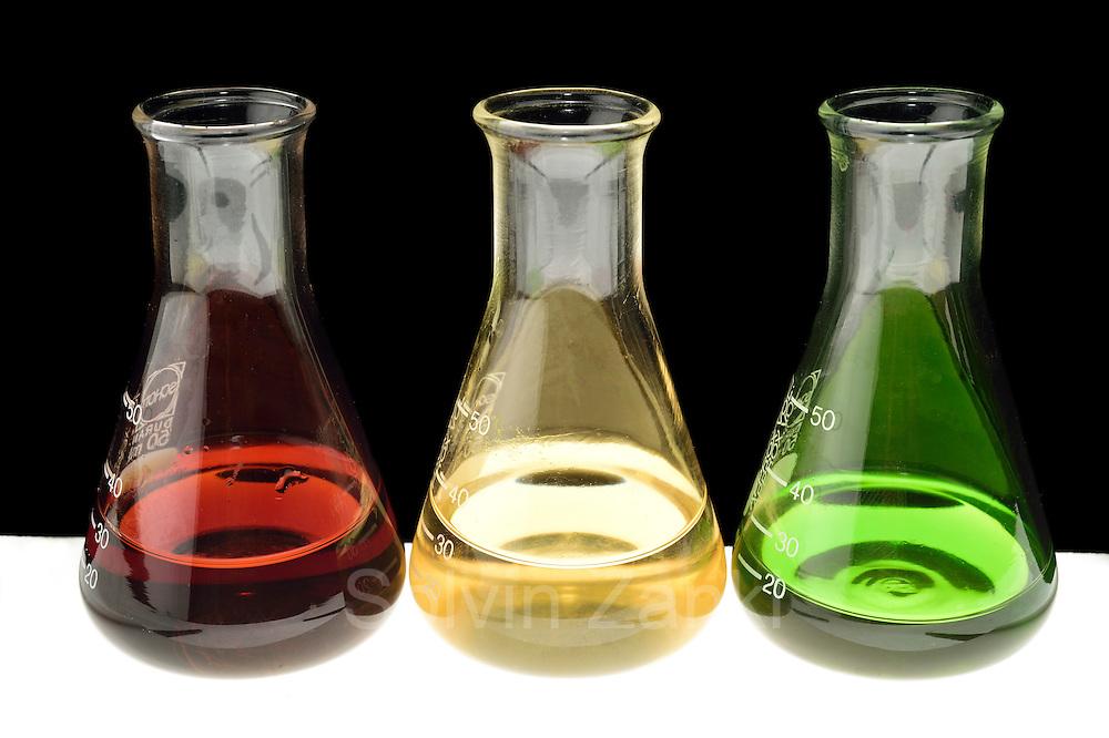 Extractions from brown algae, red algae and green algae for the cosmetic industrie. Company: Oceanwell, oceanBASIS GmbH, 24159 Kiel, Germany   Algenextrakt von Rotalgen, Braunalgen un Grünalgen